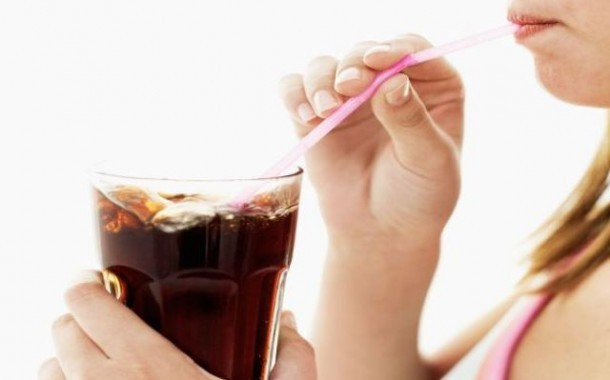 المشروبات الغازية مرتبطة بالشيخوخة المبكرة